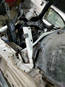 петля капота Nissan Presage Bassara