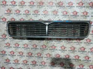 решетка радиатора Nissan Laurel