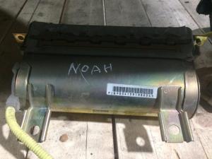 Airbag пассажирский Toyota Noah