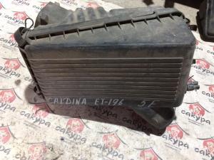 корпус воздушного фильтра Toyota Caldina