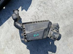 корпус воздушного фильтра Nissan Primera