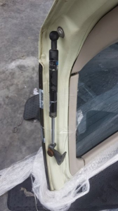 амортизатор задней двери Nissan Rasheen