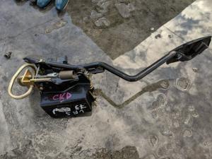 педаль газа Isuzu Bighorn