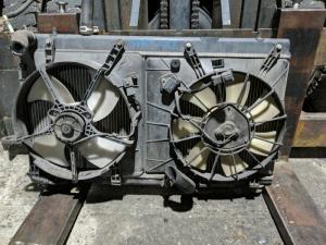 радиатор Honda Mobilio Spike
