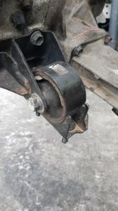 подушка двигателя Toyota Runx
