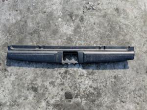 накладка замка багажника Honda Orthia