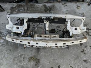 телевизор Nissan Largo