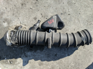 патрубок воздушн.фильтра Toyota Mark X