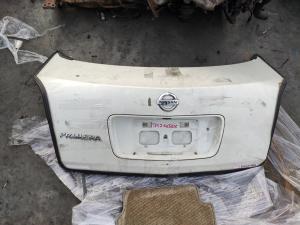 крышка багажника Nissan Primera