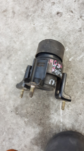 подушка двигателя Toyota Kluger V