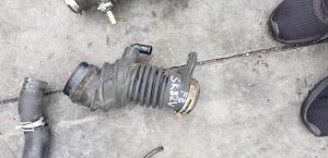 Патрубок воздухозаборника Mazda Bongo