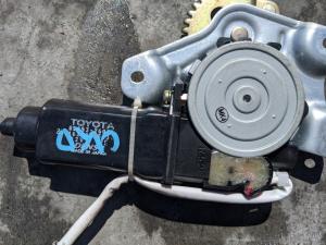 моторчик замка 5-й двери Toyota Hiace