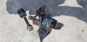 подушка двигателя Toyota Passo