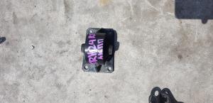 подушка акпп Toyota Hiace