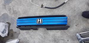 решетка радиатора Honda Mobilio Spike