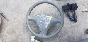 руль Toyota Vitz