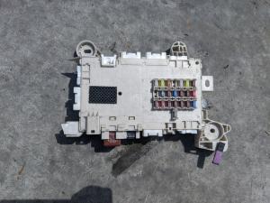 блок предохранителей Lexus GS350