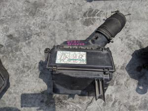 корпус воздушного фильтра Toyota Mark II