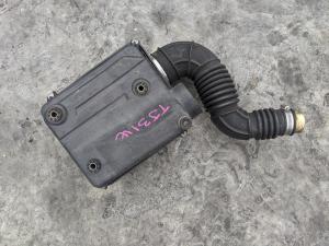 патрубок воздушного фильтра Suzuki Escudo