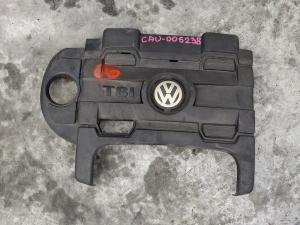 декоративная крышка двс Volkswagen Jetta