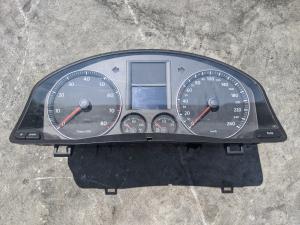 спидометр Volkswagen Jetta