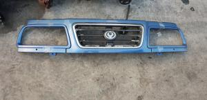 решетка радиатора Mazda Proceed Levante