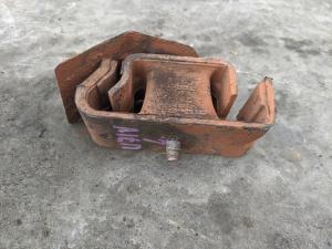 подушка двигателя Nissan Clipper