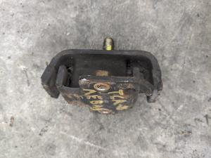 подушка двигателя Toyota Estima