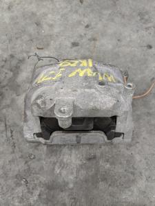 подушка двигателя Volkswagen Jetta