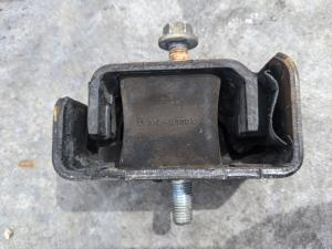 подушка двигателя Toyota Sparky