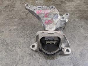 подушка двигателя Nissan X-Trail