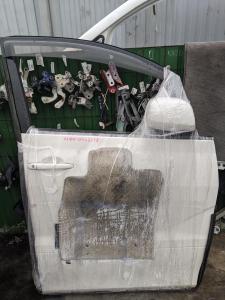 дверь Toyota Alphard