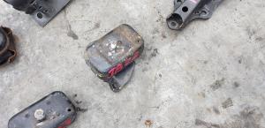 подушка двигателя Suzuki Jimny