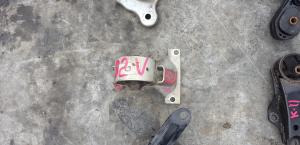 подушка двигателя Mitsubishi Lancer Cedia