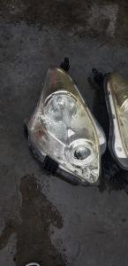 фара Toyota Ractis