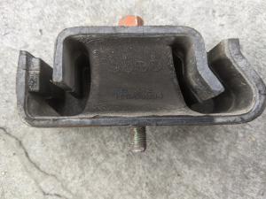 подушка двигателя Mitsubishi Minicab