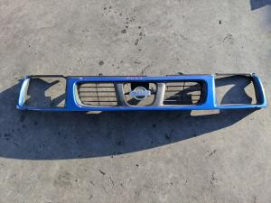 решетка радиатора Nissan Datsun