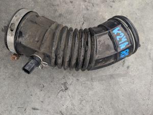 патрубок воздушного фильтра Honda Elysion