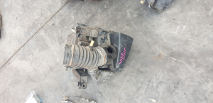 корпус воздушного фильтра Mazda Axela