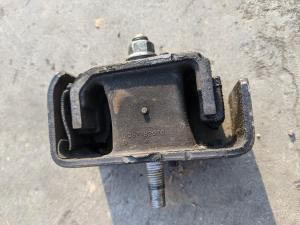 подушка двигателя Daihatsu Hijet