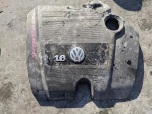 декоративная крышка двс Volkswagen Golf