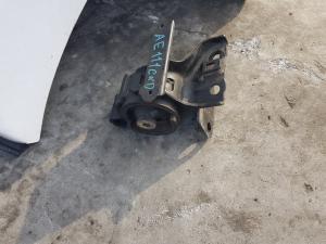 подушка двигателя Toyota Corolla Spacio