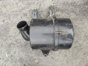 корпус воздушного фильтра Mitsubishi Pajero