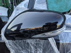 зеркало Lexus HS250h
