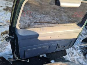 Обшивка двери багажника Toyota Land Cruiser Prado