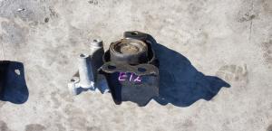 подушка двигателя Nissan Note