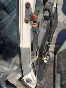 амортизатор багажника Nissan Cube