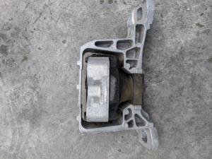 подушка двигателя Mazda Axela